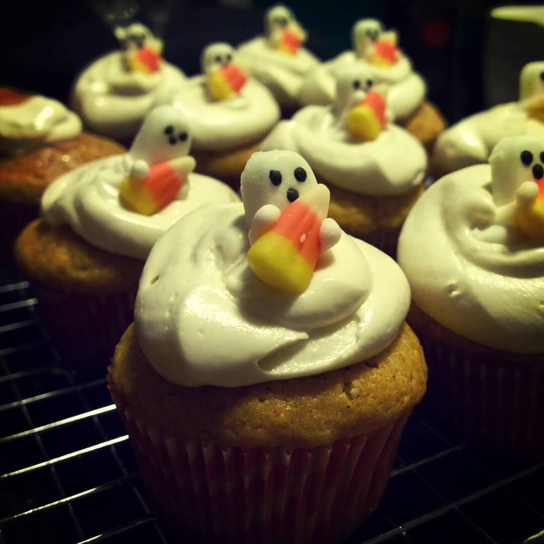 Drunken Spiced Rum Pumpkin Cupcakes with Marshmallow Frosting